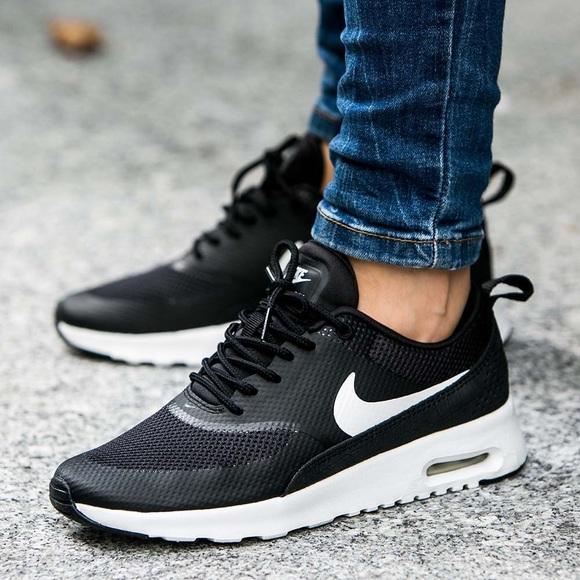 the latest b4d76 de318 Nike Air Max Thea Black White